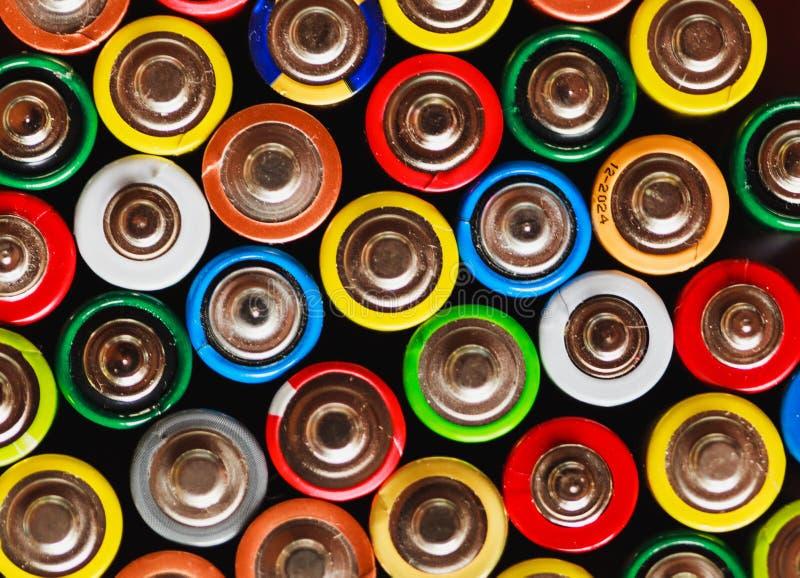 Arc-en-ciel électrique des batteries photographie stock libre de droits