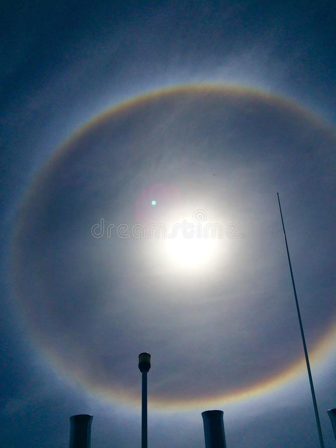 Arc-en-ciel autour du soleil photos libres de droits