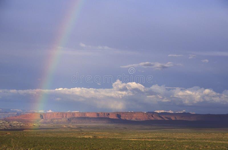 Arc-en-ciel dans le désert de l'Utah image stock