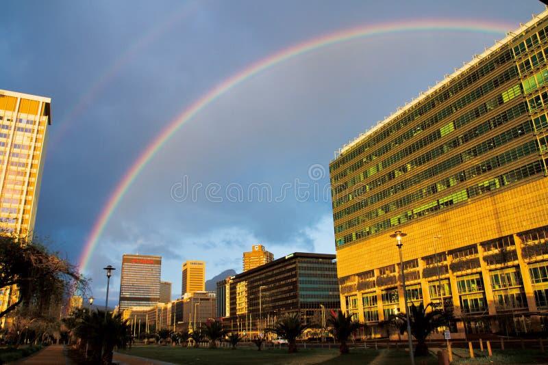 Arc-en-ciel de Town's de cap photographie stock libre de droits
