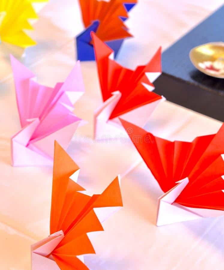 Arc-en-ciel traditionnel japonais de grues coloré image libre de droits