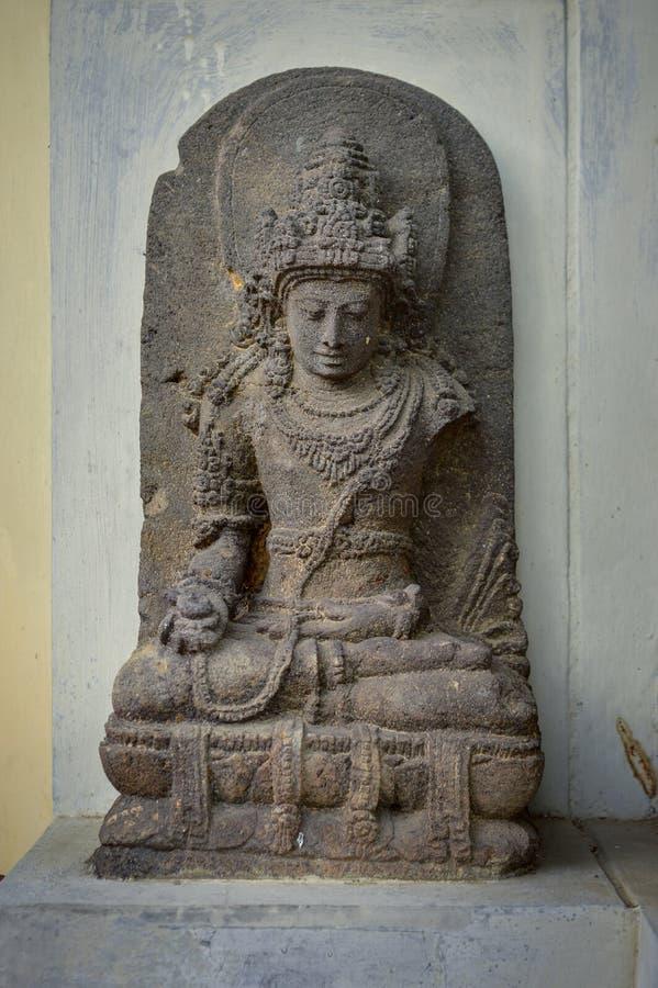 Arca eller staty av bodhisattvaen som finnas i det centrala Java 8-10th århundradet arkivbild