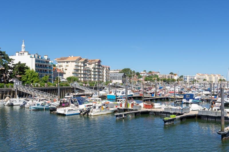 Arcachon, Frankrijk, jachthaven en strandboulevard royalty-vrije stock afbeelding