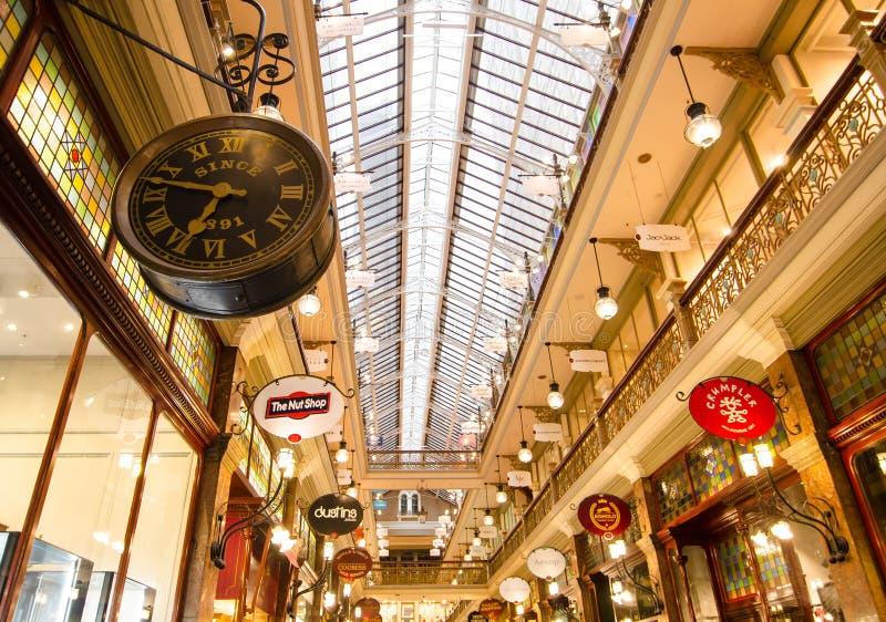 A arcada da costa é uma arcada da compra do Vitoriano-estilo no distrito financeiro central, entre Pitt Street Mall e George Stre imagem de stock royalty free