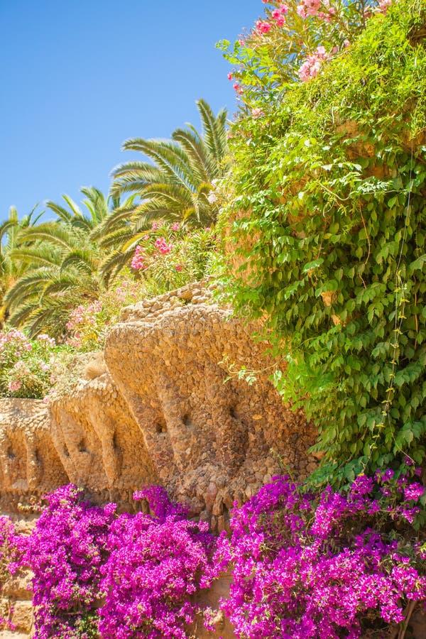 Arcada da onda, parque Guell, Barcelona spain foto de stock