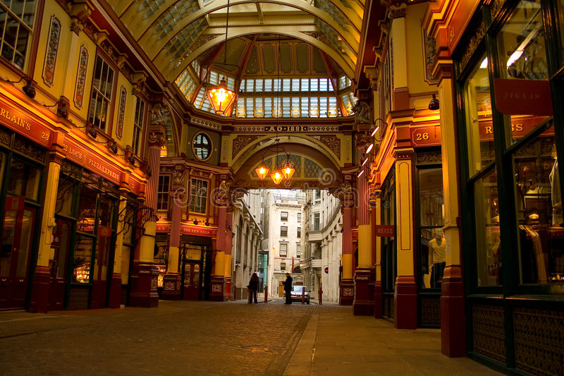 Arcada dos jardins dos Cutlers de Londres fotografia de stock