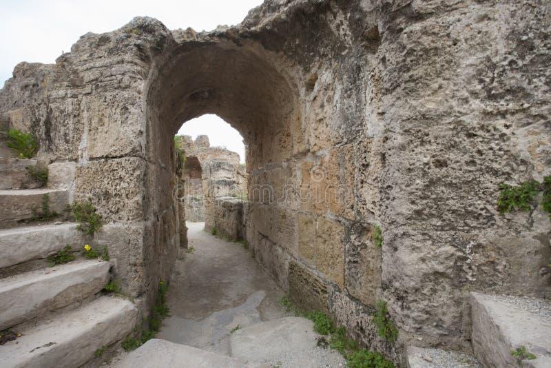 Arcada en Antonine Thermae, Túnez, Túnez fotos de archivo