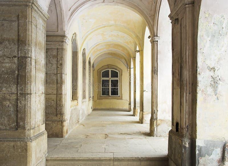Arcada vieja de la mansión imagen de archivo libre de regalías