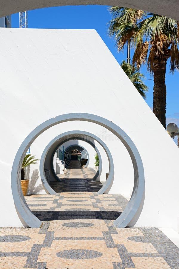 Arcadas redondas, Vilamoura foto de archivo