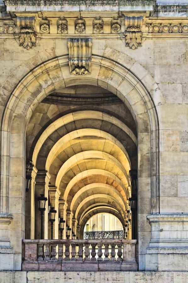 Arcade avec des piliers, opéra de Paris photographie stock libre de droits