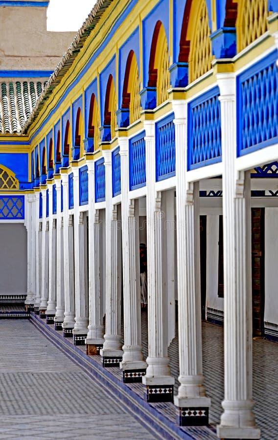 Arcade de l'EL Bahia Palace à Marrakech image libre de droits