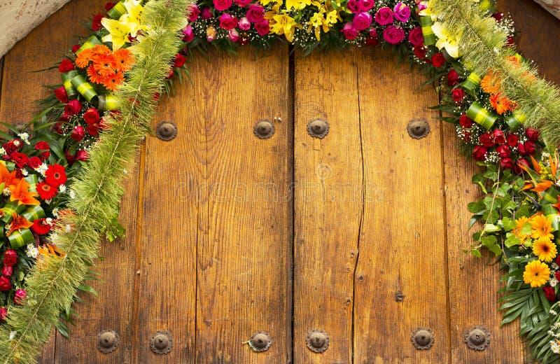 Arcade florale avec l'espace de copie photographie stock libre de droits