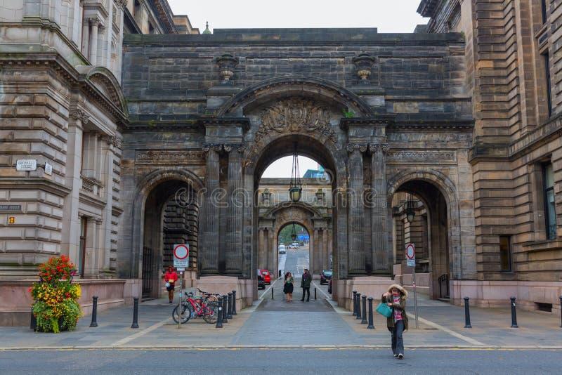 Arcade historique dans la vieille ville de Glasgow images libres de droits