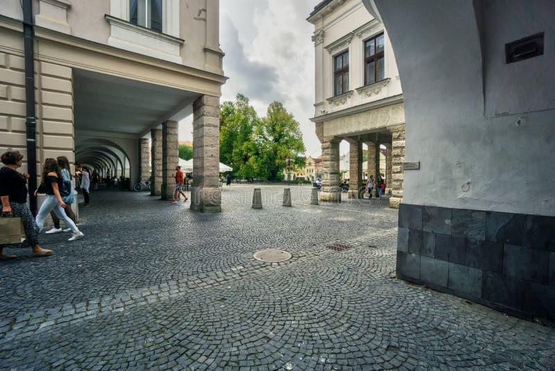 Arcades κοντά στην πλατεία Marianske Namestie σε Zilina στοκ φωτογραφία με δικαίωμα ελεύθερης χρήσης