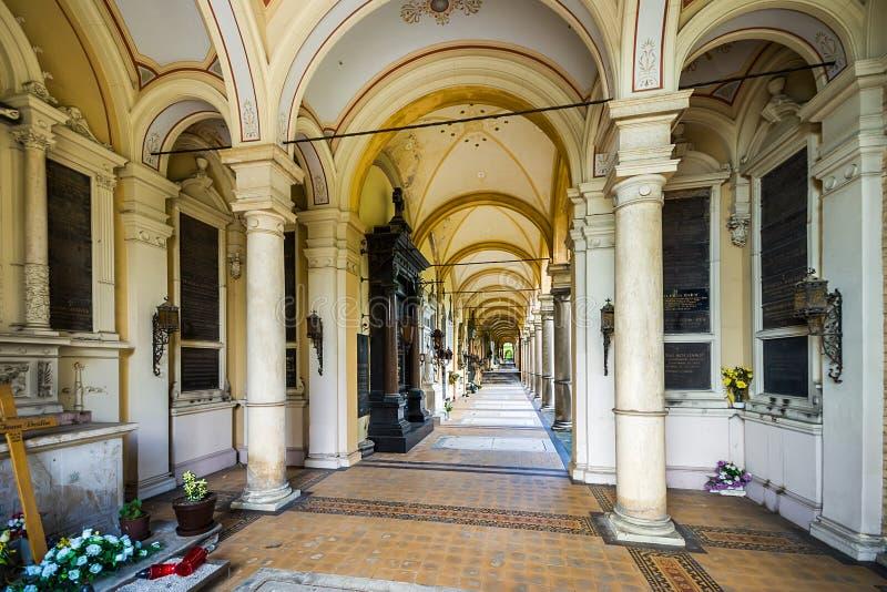 Arcades στο νεκροταφείο Mirogoj στο Ζάγκρεμπ, Κροατία στοκ εικόνες