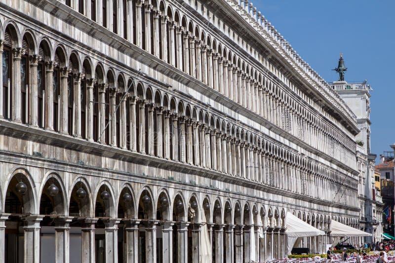 Arcades της πρόσοψης στην πλατεία SAN Marco στη Βενετία, Ιταλία στοκ εικόνες