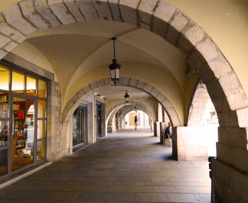 Arcades van stadhuis, Girona stock foto