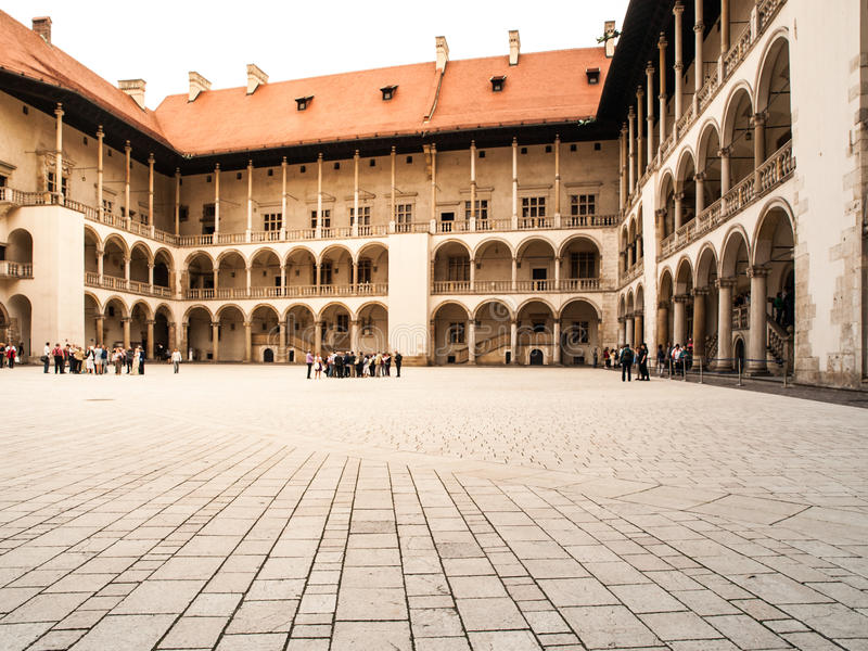 Arcades van Wawel-Kasteel in Krakau stock afbeeldingen