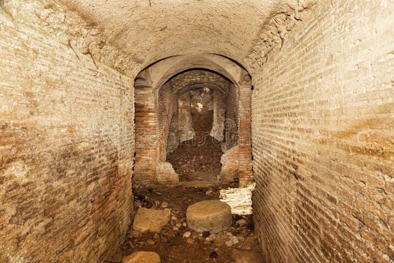 Archäologische Aushöhlungen von Ostia Antica: Intern vom Forumthermalbadekurort lizenzfreie stockfotografie