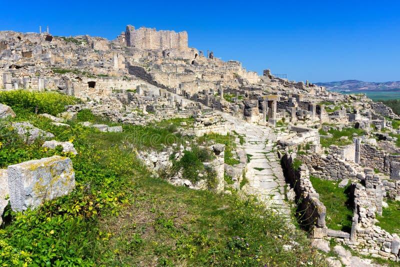 Archäologische Fundstätte Dougga in Tunesien lizenzfreies stockfoto
