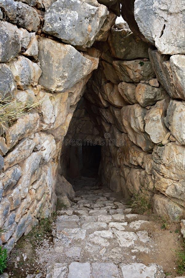 Archäologische Fundstätte Mycenae und Tiryns Der Eingang zum Mist stockbild