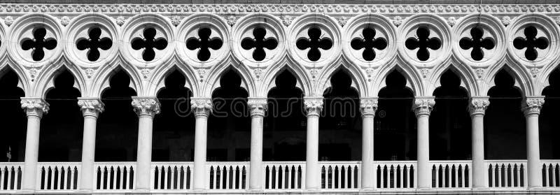 Arché del palazzo di espedienti, Venezia, Italia fotografia stock