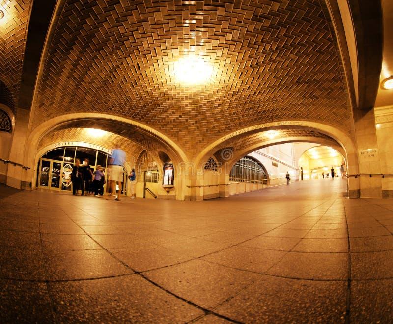Arché di sussurro nella stazione di Grand Central immagini stock