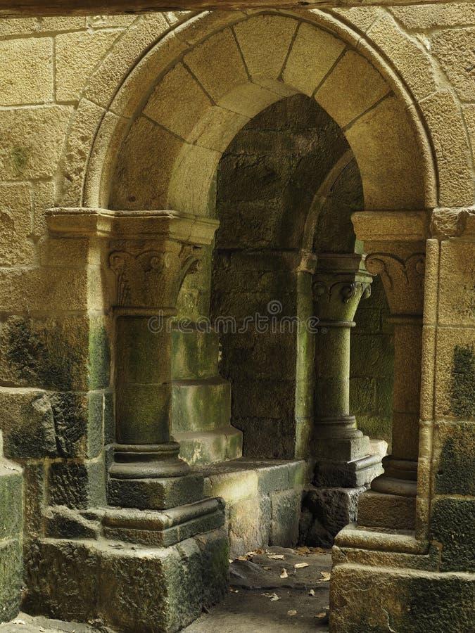 Arché e colonne della pietra fotografie stock