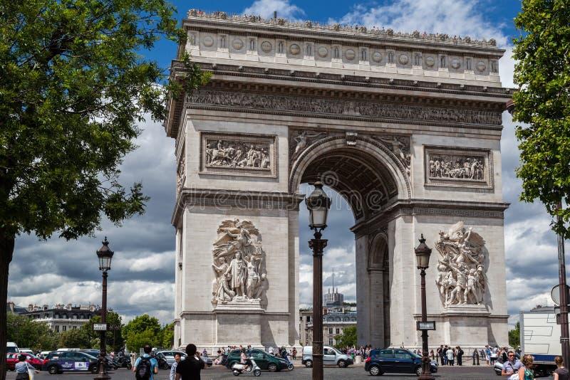 Download Arch of Triumph Paris editorial photo. Image of lamp - 29884931