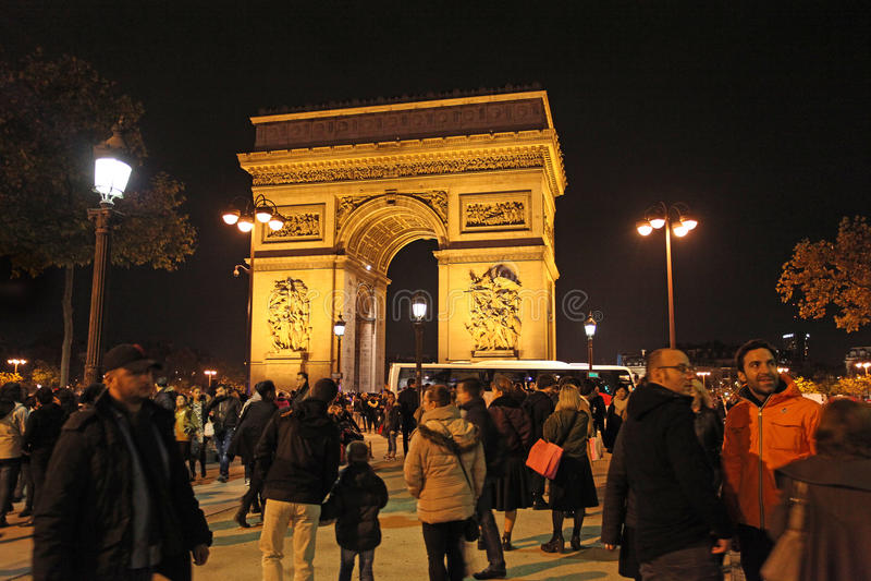 Arch de Truimph bis zum Nacht, Paris lizenzfreie stockbilder