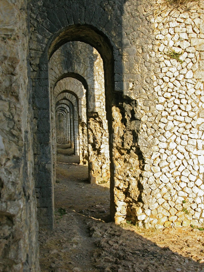 Free Arch Path In Temple Of Jupiter Anxur Royalty Free Stock Photos - 11825238