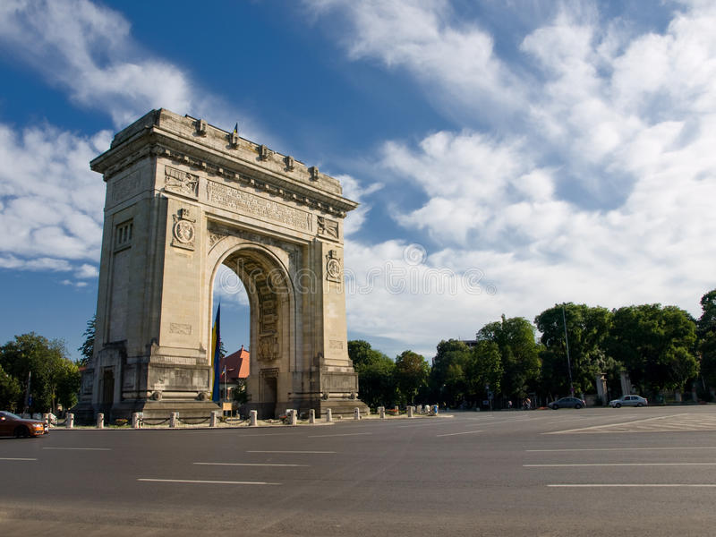 Arch Of Triumph. Photo with Arch Of Triumph in middle of day stock photos