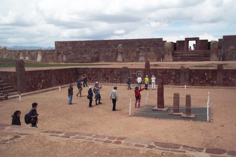 Tourists in the ruins of Tiwanaku royalty free stock photos