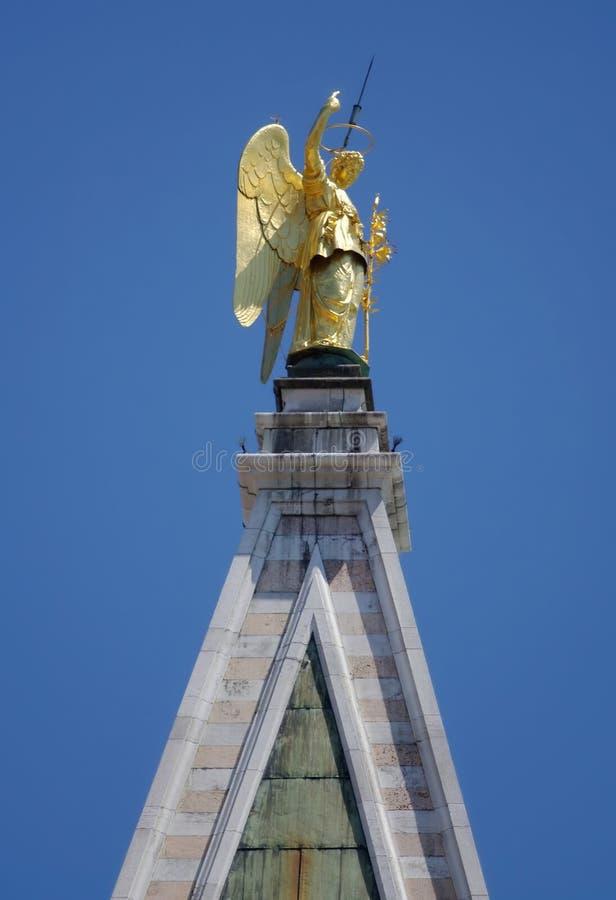 archangel gabriel стоковые фото