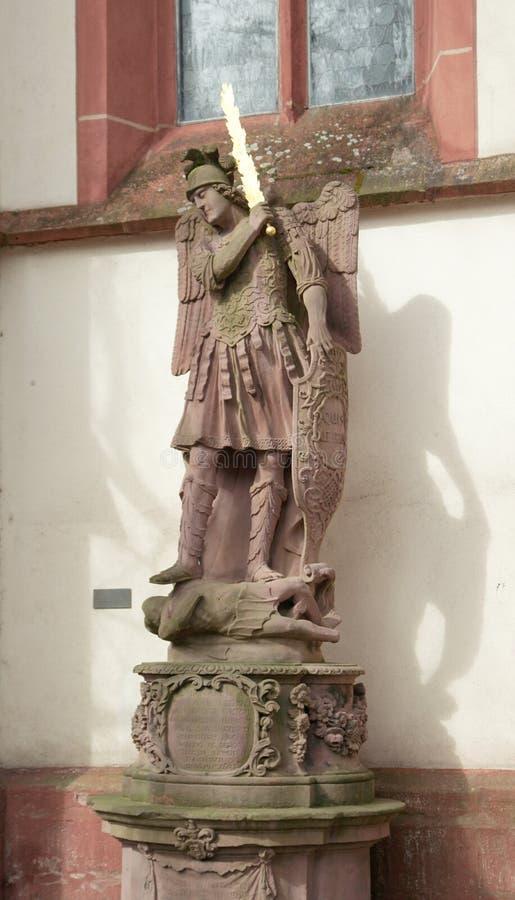 Archanioł Michael z płomiennym kordzikiem obraz royalty free