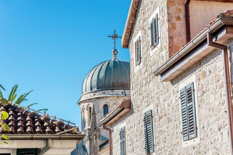 Archanioła Michale ortodoksyjny kościół w Starym miasteczku w Herceg Novi obrazy stock