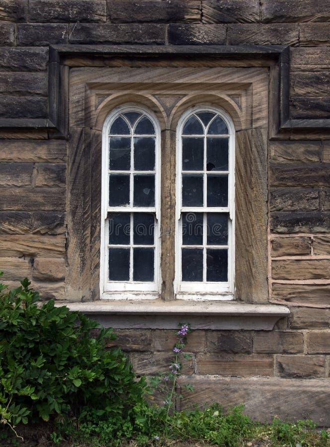 Arched que desliza janelas de faixa fotos de stock