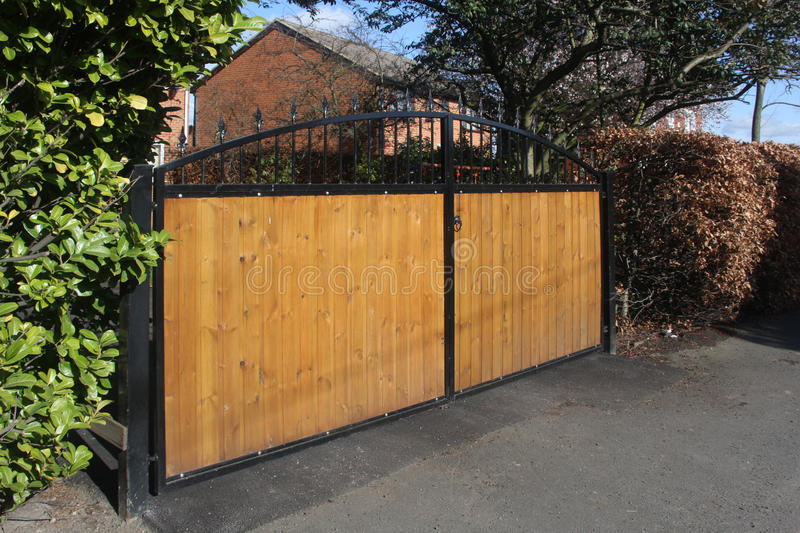 Download Arched Secure Gates Royalty Free Stock Photos - Image: 23706648