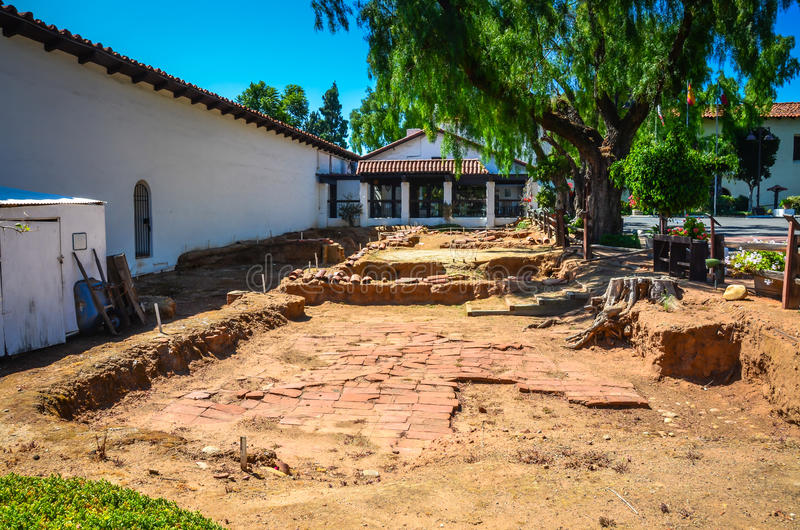 Archeological wykopaliska San - misi bazyliki San Diego De alcalà ¡ - obraz stock