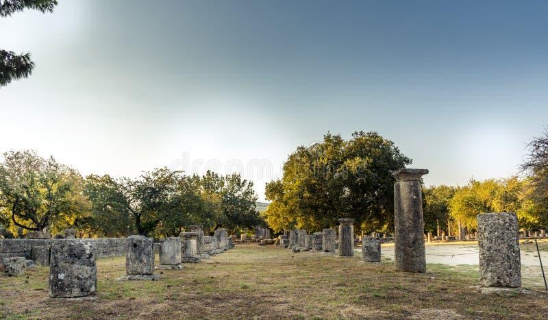 Archeologische plaats van Olympia - mening van tempel van Hera royalty-vrije stock foto's