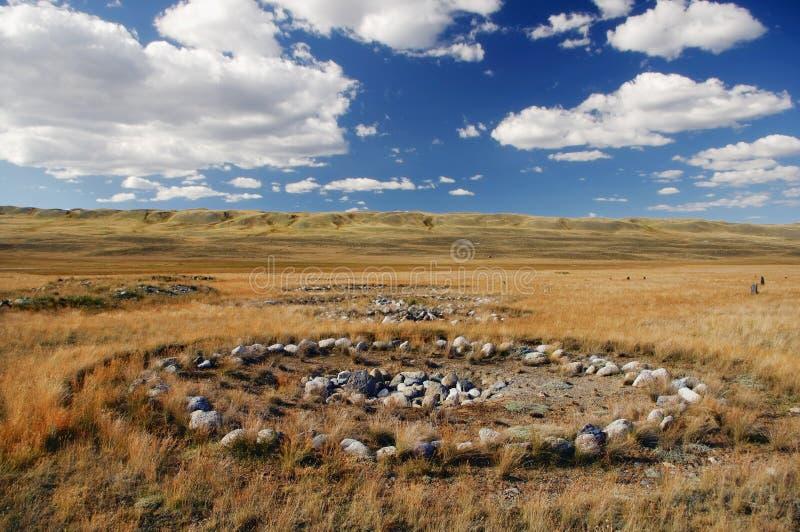 Archeologische uitgravingen op de plaats van oude Scythian-begrafenissen van Pazyryk-cultuur op de rivier ak-Alaha, waar m werd g royalty-vrije stock fotografie