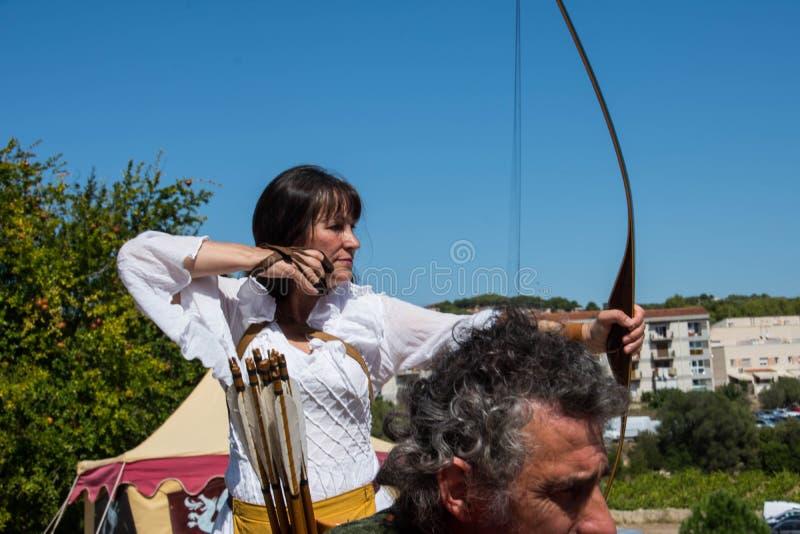 Archer-Frau lizenzfreie stockfotos