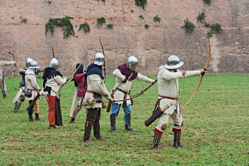 Archers médiévaux photos stock