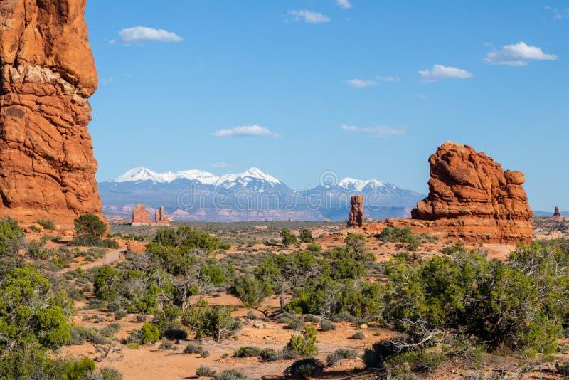Arches National Park, Eastern Utah, Verenigde Staten van Amerika, Delicate Arch, La Sal Mountains, Balanced Rock, Tourism, Travel royalty-vrije stock fotografie