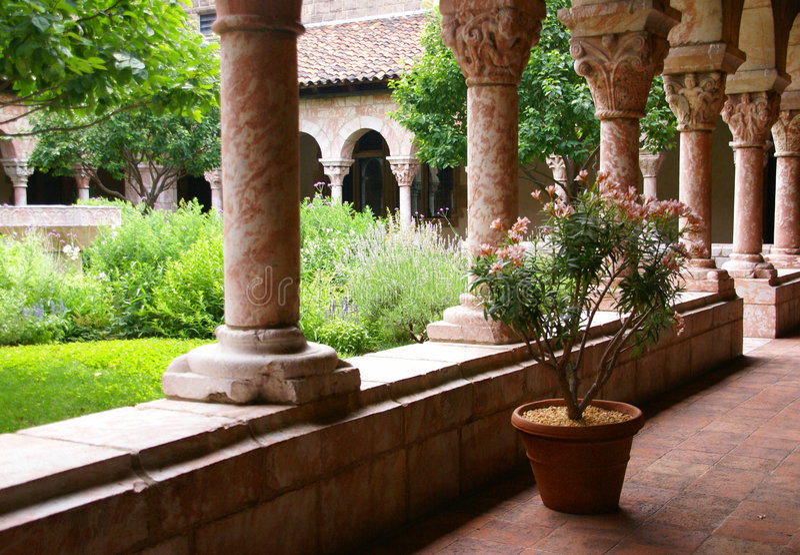Archi e colonne intagliate fotografie stock