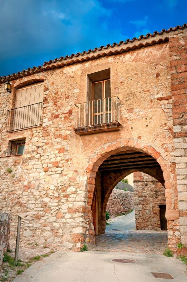 Archi medioevali, Collbato, Spagna fotografia stock