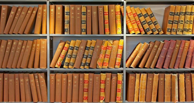 Archief van oude verificatieboeken royalty-vrije stock foto