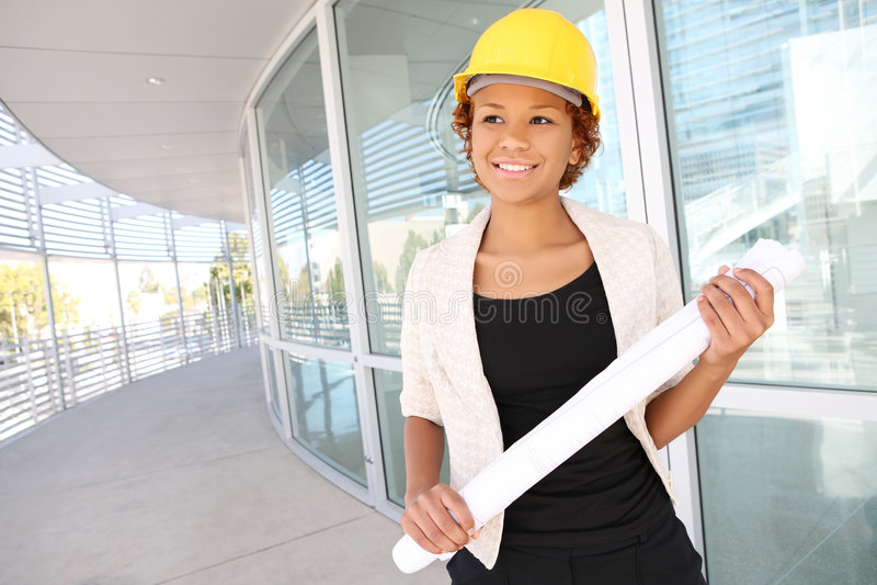 architecte de femme sur le chantier de construction image stock image du architecte casque. Black Bedroom Furniture Sets. Home Design Ideas