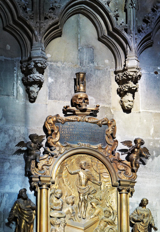 Architectonic detail. Stephansdom in Vienna stock images