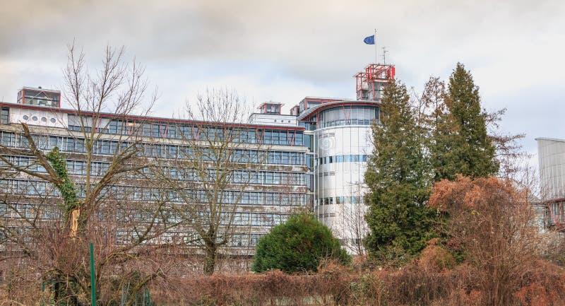 Architecturaal detail van het Europese Hof van Rechten van de mens stock afbeeldingen